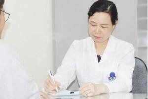 Biến chứng viêm xoang nguy hiểm thế nào, cần kiêng gì?