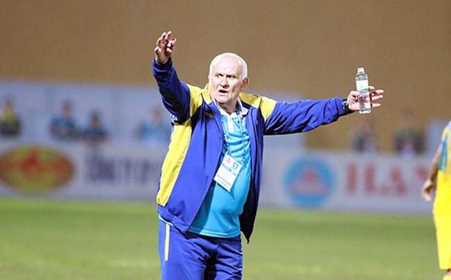 HLV Petrovic dẫn dắt CLB Đông Á Thanh Hóa là bịa đặt
