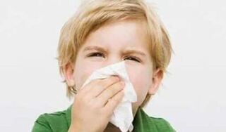 Tưởng bé trai bi khối u trong mũi nhưng dị vật được lấy ra khiến tất cả sững sờ