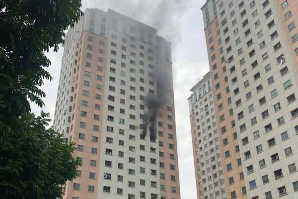 Cháy tại tầng 13 tòa CT1B2 chung cư Xa La Hà Đông