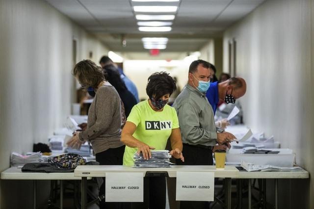 Bang Pennsylvania bất ngờ ngừng chứng nhận kết quả bầu cử