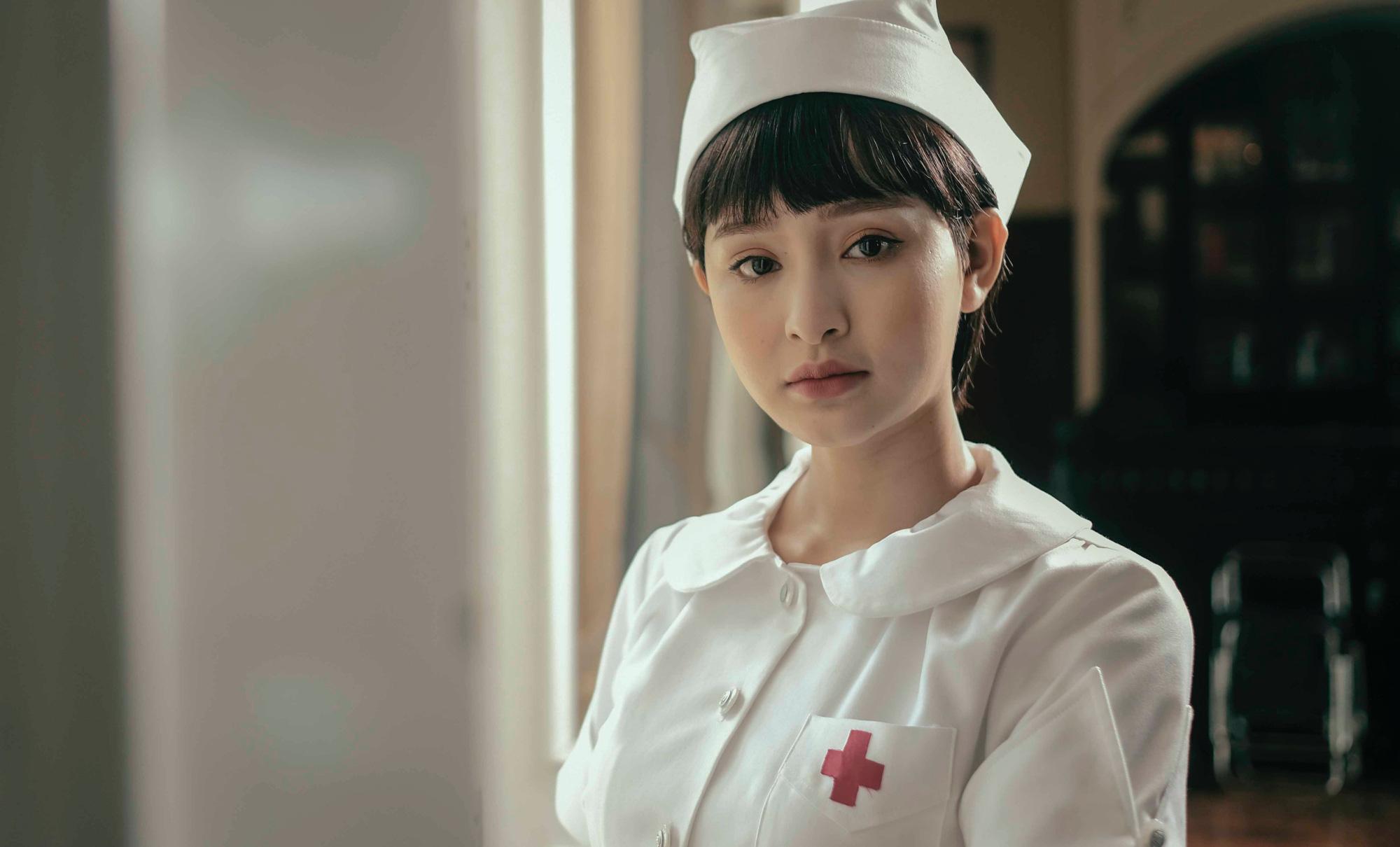 Hiền Hồ mất tận 2 tuần để thoát khỏi vai diễn trong MV 'Gặp nhưng không ở lại'