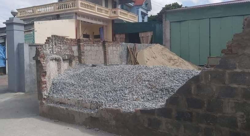 Lý do bức tường đổ sập đè học sinh lớp 6 tử vong ở Thái Bình