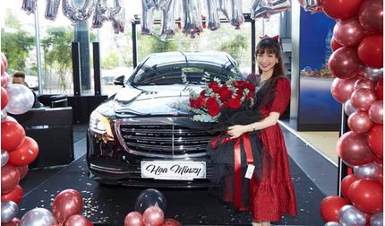 Hòa Minzy tậu xế hộp 5 tỷ, chồng thiếu gia liền có động thái chúc mừng