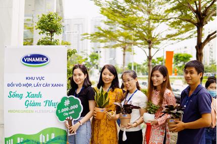 Thêm hàng ngàn cây xanh được trồng qua chiến dịch 'Triệu câu vươn cao cho Việt Nam xanh'