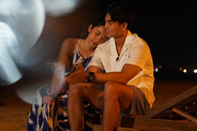 Nam Em có phản ứng lạ với 'nam thần điện ảnh Việt', ám chỉ mập mờ trong tình cảm