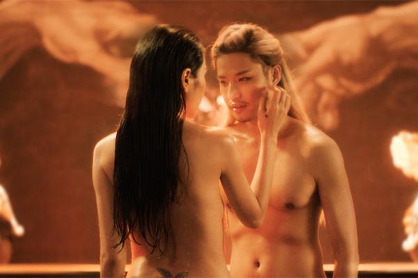 Thủy Tiên và bạn diễn nam đóng cảnh khỏa thân trong hồ nước, khán giả bỏng mắt
