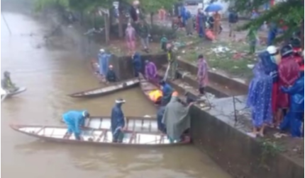 Tìm thấy thi thể thanh niên lao cả người lẫn xe xuống sông