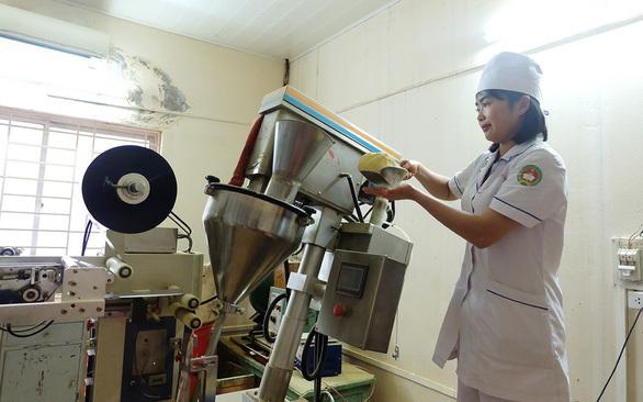 Cuộc sống của cô gái ghép gan đầu tiên tại Việt Nam sau 16 năm