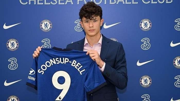 Người hâm mộ Chelsea ngợi khen cầu thủ gốc Thái Lan