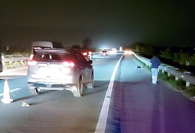 Nữ tài xế tông người đi bộ tử vong trên cao tốc