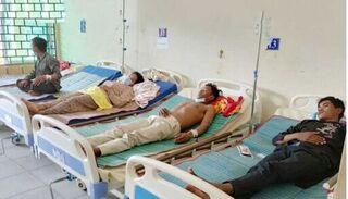 Campuchia: 5 người chết sau khi uống rượu tại đám tang