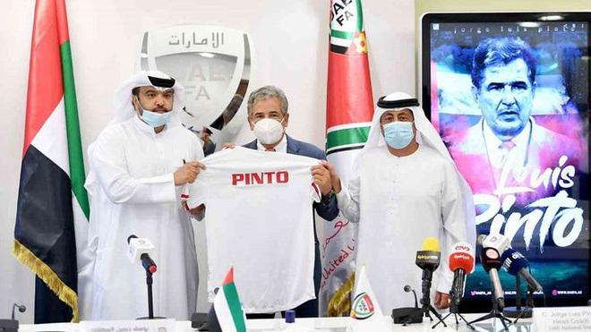 Tuyển UAE sa thải HLV người Colombia