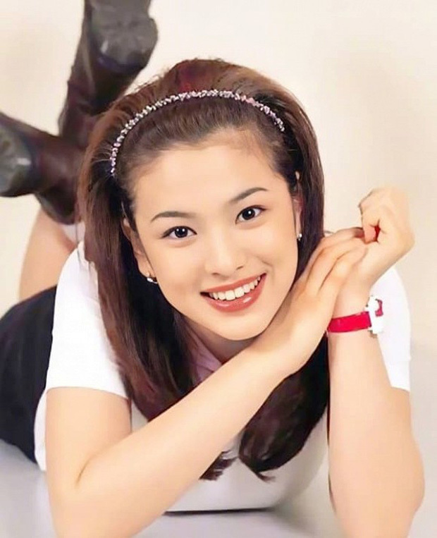 Quý cô độc thân Song Hye Kyo và nhan sắc 20 năm vẫn xứng danh biểu tượng Hàn Quốc