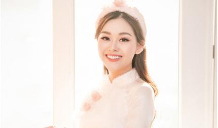 Cận cảnh nhan sắc xinh đẹp của Á hậu Tường San trong lễ đính hôn