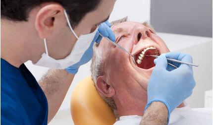 Tuyên Quang: Đi khám răng, cụ ông 70 tuổi rùng mình khi thấy hình ảnh sán lúc nhúc toàn thân