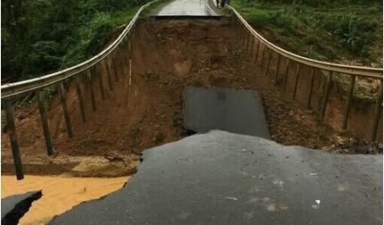 Quốc lộ 26 sạt lở nghiêm trọng, tuyến giao thông Đắk Lắk - Khánh Hòa bị chia cắt