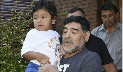 Maradona nhờ bạn trai của tình cũ chăm con trai út Diego Fernando