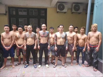 Phú Lê và đàn em sắp hầu tòa vì đánh người