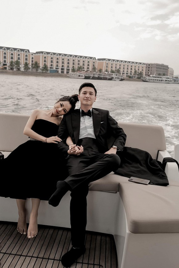 Vừa công khai, Huỳnh Anh đã tặng món quà đặc biệt cho vợ sắp cưới