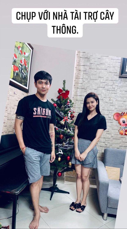 Tim bất ngờ đăng ảnh Trương Quỳnh Anh và con trai quây quần đón Giáng sinh