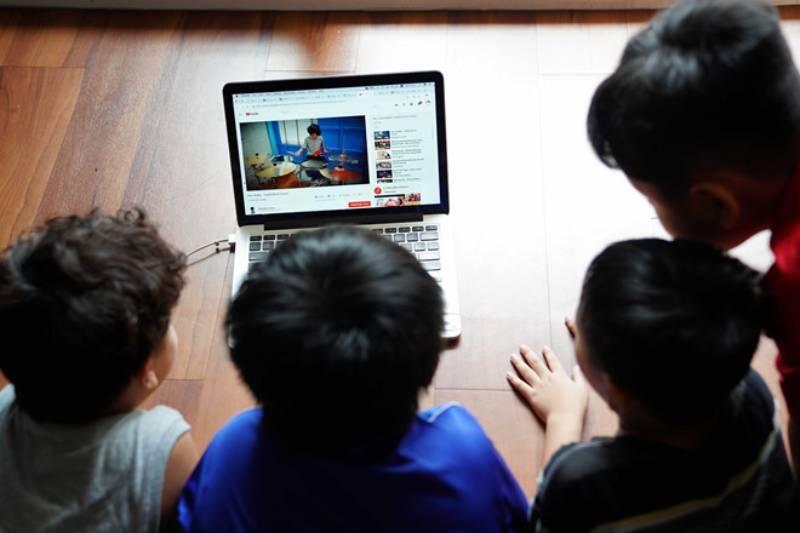 Tràn lan video độc hại, nguy hiểm trên Internet: Bảo vệ trẻ nhỏ bằng cách nào