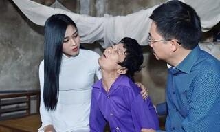Trang Trần chỉ ra lỗi trang phục của Hoa hậu Đỗ Thị Hà khi đi từ thiện