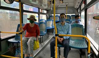 Nữ sinh viên tiếp xúc gần với ca Covid-19, tìm hành khách trên hai tuyến xe buýt