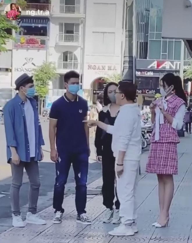 Phì cười cách 'hack' chiều cao có '1 0 2' của Diệu Nhi khi đứng cạnh Hoa hậu Đỗ Thị Hà