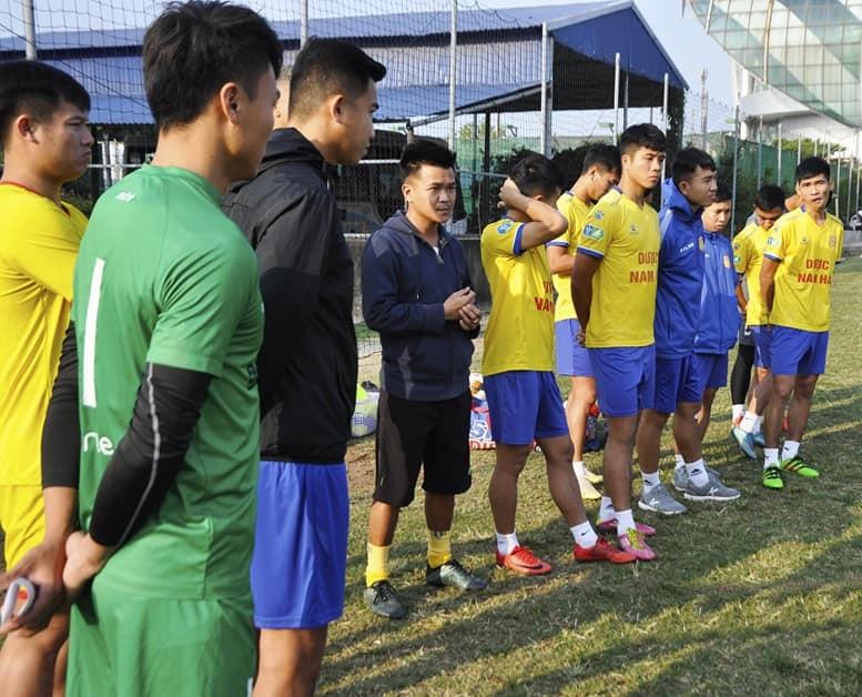 CLB DNH Nam Định lên đường đi tập huấn tại Trà Cổ tỉnh Quảng Ninh