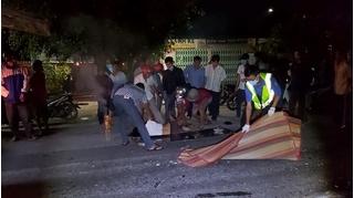 Hai xe máy đấu đầu cực mạnh, 2 người tử vong