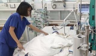 Cứu sống bé trai 9 tháng tuổi mắc đa bệnh lý, 3 lần ngừng tim trong quá trình điều trị