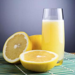 Uống thuốc thì tuyệt đối không bổ sung loại nước ép trái cây này
