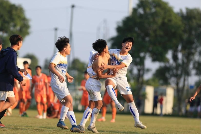 2 đội bóng đầu tiên vào bán kết U17 Cúp Quốc gia