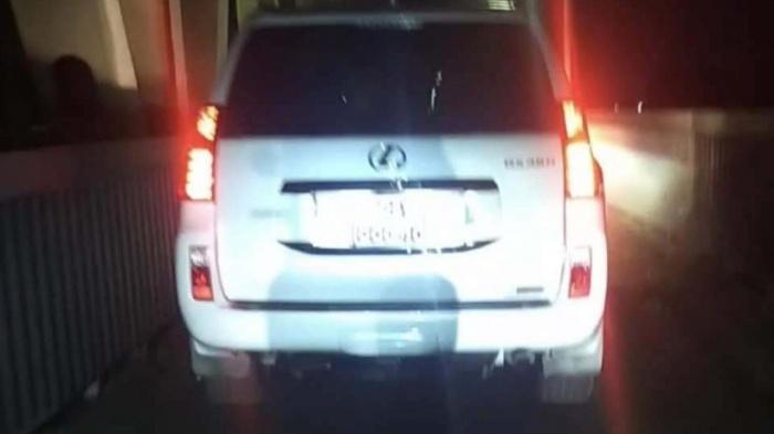 Tước bằng lái tài xế Lexus đi vào làn xe máy cầu Thăng Long