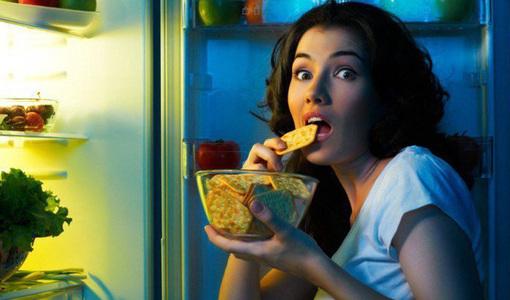 7 thói quen gây tổn thương dạ dày bạn nên bỏ ngay, điều thứ nhất nhiều người vẫn vô tư làm hằng ngày