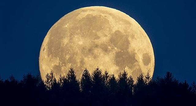 Lý giải bất ngờ của giới khoa học về nguồn gốc Mặt trăng