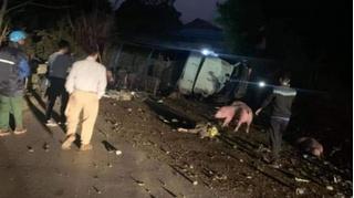 Tin tức tai nạn giao thông ngày 7/12: Xe tải chở lợn đâm 2 bố con tử vong
