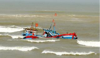 4 ngư dân là anh em gặp nạn trên biển, 1 người chết, 1 người mất tích