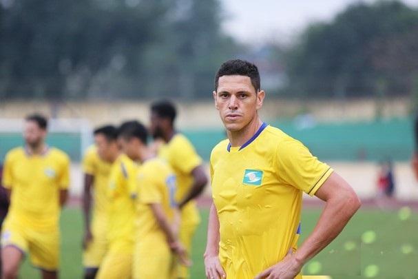 DNH Nam Định chiêu mộ tiền đạo Brazil và cựu cầu thủ của Hải Phòng