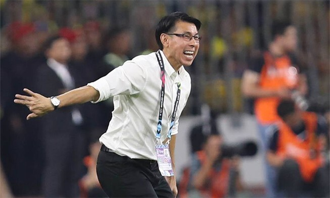 HLV tuyển Malaysia phản ứng bất ngờ khi AFF Cup tiếp tục lùi lịch thi đấu