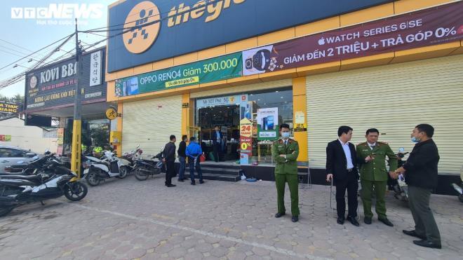 Bắc Ninh: Cướp đâm gục bảo vệ TGDĐ, trộm điện thoại cả trăm triệu