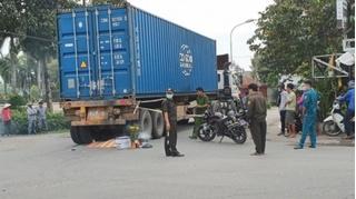 Tin tức tai nạn giao thông ngày 10/12: Va chạm với xe container, 1 tử vong