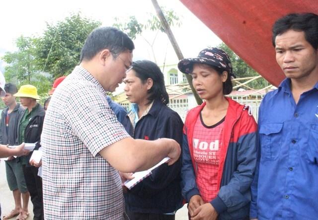 Quảng Nam: Khẩn cấp khôi phục sạt lở đường ở 2 xã cô lập
