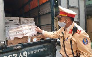 Hà Nội: Thịt bò hết hạn hơn 1 tháng, dân buôn vẫn 'nhắm mắt' mua lại để bán kiếm lời