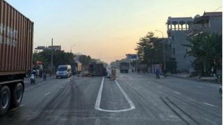 Tin tức tai nạn giao thông ngày 11/12: Tài xế ngủ gật tông vào dải phân cách