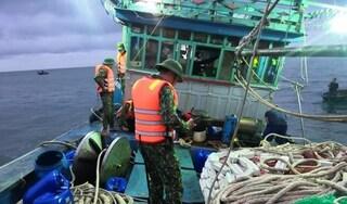 Quảng Nam: Cứu kịp thời 12 ngư dân gặp nạn trên biển