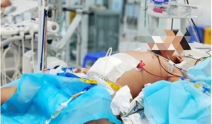Bé 9 tuổi bị sốc sốt xuất huyết nặng khiến máu cô đặc, suy đa tạng