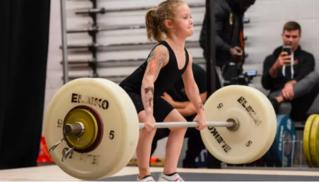 Bé gái 7 tuổi người Canada 'khỏe nhất thế giới' khi nâng tạ 80 kg