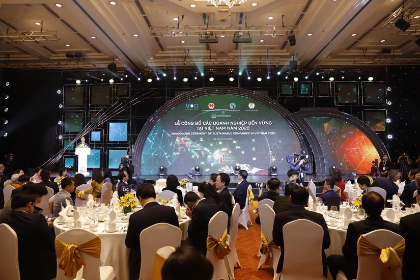 Toàn cảnh lễ công bố các doanh nghiệp bền vững tại Việt Nam năm 2020.